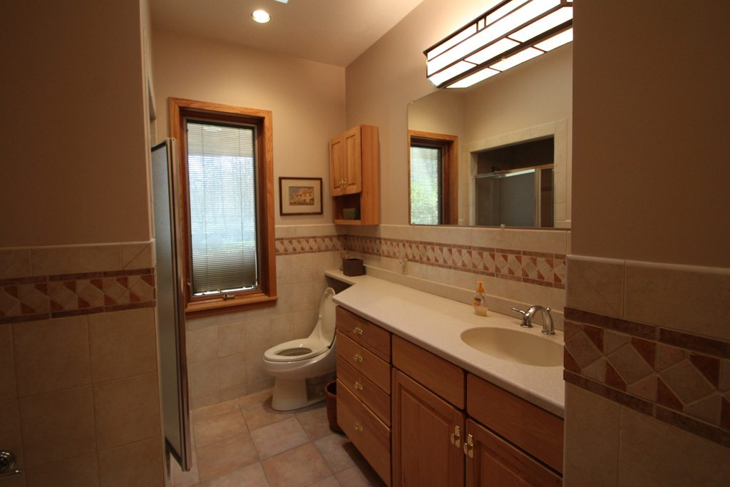 3 Full Bathrooms at the Dream House!