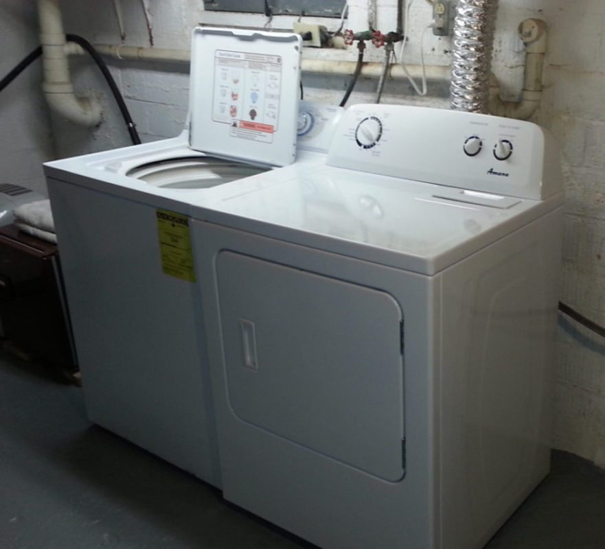Yes, Washer/Dryer on site!