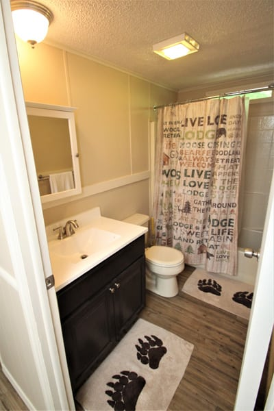 Common Bath for 3rd and 4th bedroom--on Upstairs floor!