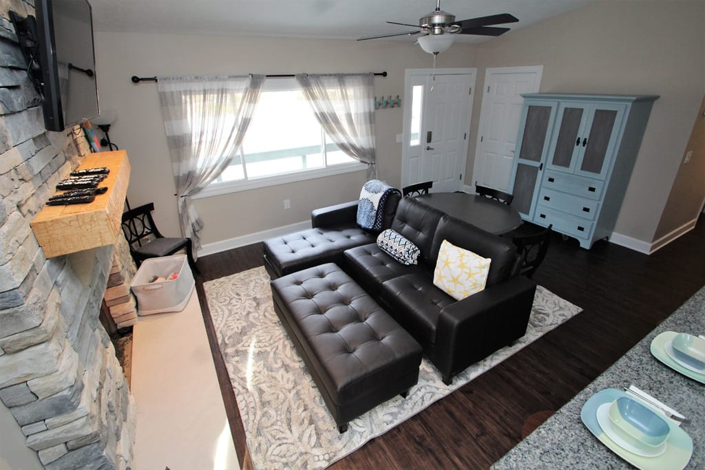 Open Concept, Living Room/Kitchen Area!
