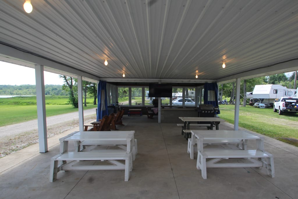 Yes, there is TV/Wifi/Internet at the Pavilion! Enjoy dinner or game night!