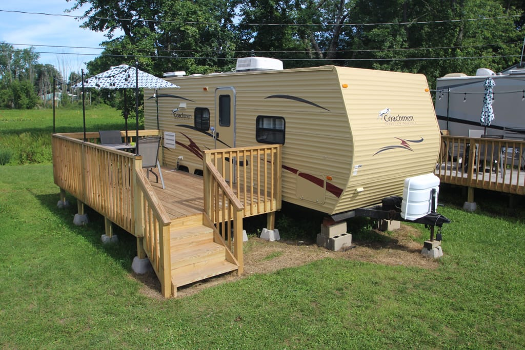 Welcome to Lake Escape on Lake Leboeuf. 1 BR, 1 BA, lake side accommodations at our Lake Escape