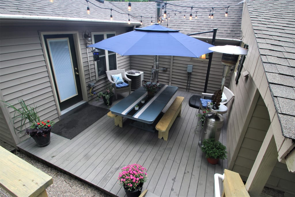 Patio Umbrella and heater make for good eats and comfortable nights!